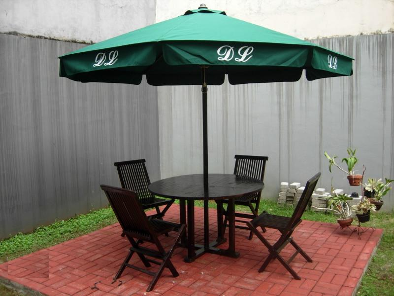 Meja Payung Cafe (Umbrella Table Set) CUCI GUDANG!