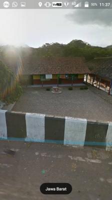 lokasi dibelakang sekolahan.