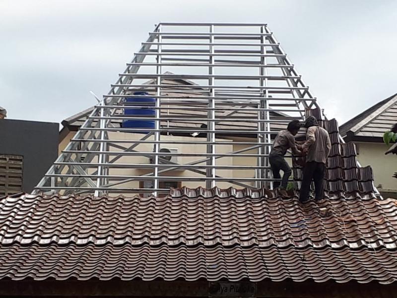 Rangka Atap Baja Ringan & Genteng
