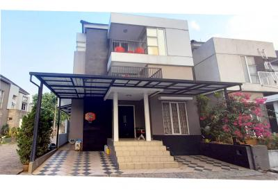 Dijual-Rumah-3-Lantai-Minimalis-Villa-Mutiara-Cibubur